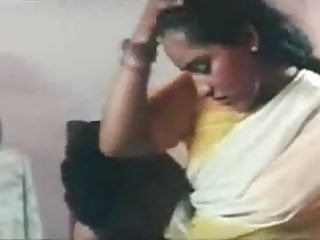 Preview 1 of Mallu Reshma Sex with Husband in Yellow and White Saree