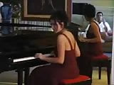 Henrietta Kerez play Piano