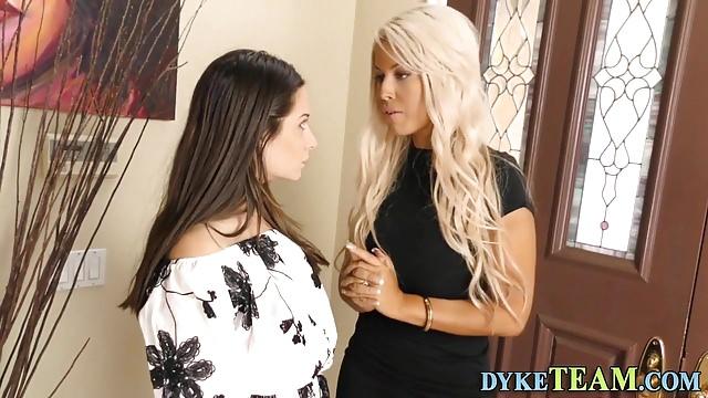 Preview 1 of Lesbian milf eats teen
