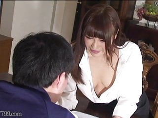 shoulders down amateur cutie masturbates in ripped pantyhose for the help this
