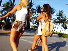 Candid voyeur girl in tiny leopard print shorts