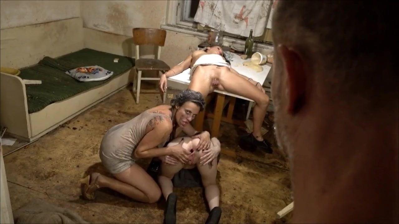 Szőke Leszbikák Kefélik Egymást. - Online szex videók pornó film
