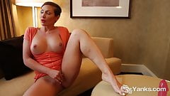 Yanks Yasmin's Hot Backdoor Fingering Action