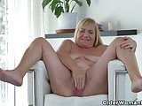 Euro gilf Pem fucks her old pussy with a dildo