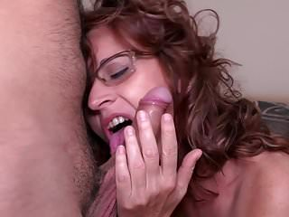 Skinny mature mom suck and fuck lucky son