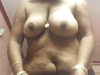 What strip show aunty doing a desi remarkable
