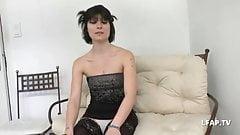Petite francaise bien defoncee pour son casting porno