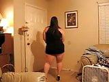 Thick Milf Dancing for Me - Tremenda Hembra