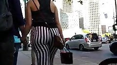 Candid thick pawg loose pants jiggle