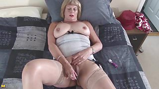 Granny wants sex right here and right now