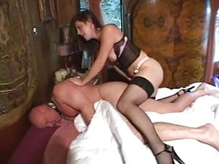 nice lady enjoys submissive man's ass