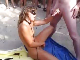 bukkake sur la plage