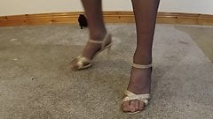 Removing shoes and pantyhose