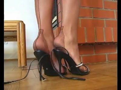 Donnas leg show