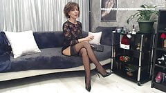 WM 517 Mature Legs & Feet in black Stockings