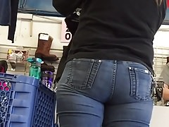 Fluffy MILF Ass in Jeans