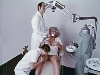 MRS HARRIS' CAVITY & COUSIN PAULINE ( 2 VINTAGE 70's FILMS )