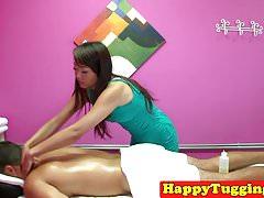 Tugging asian masseuse caught on hiddencam
