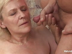 Old grandma takes a pussy pounding on the couch