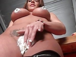 Nikki's PUSSY !!! First time (new)