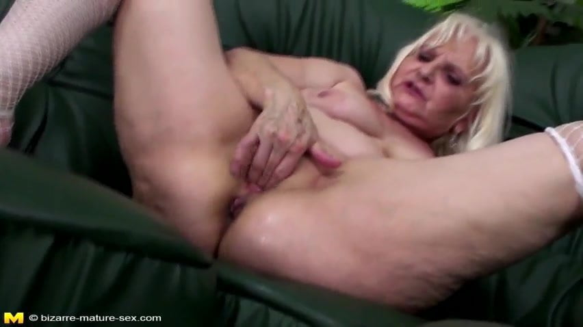Very old granny anal fisting german