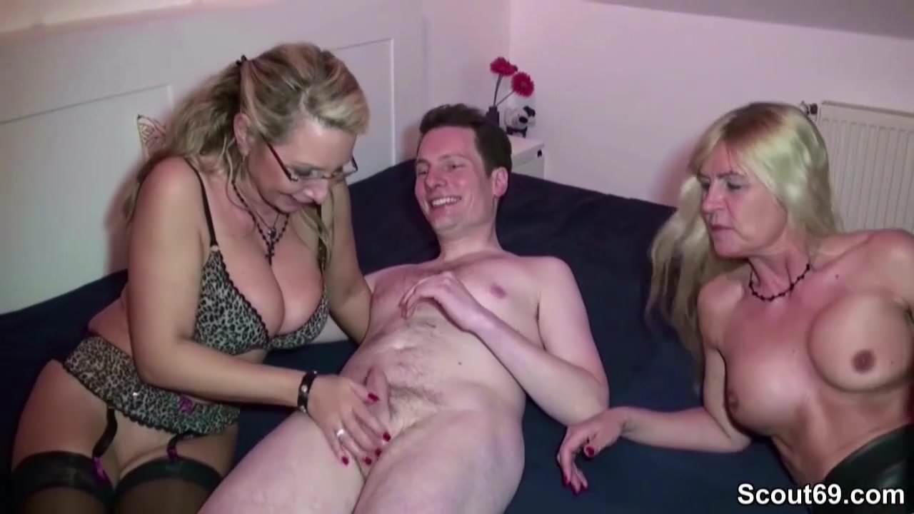 Free download & watch geile mutter und tante helfen stief sohn bei erstem fick         porn movies