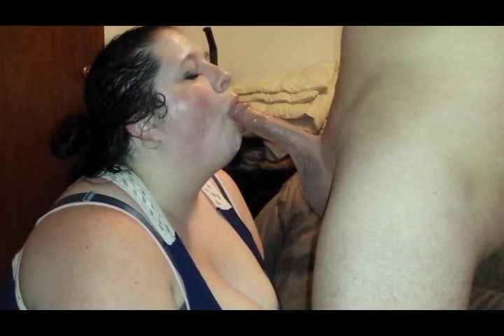 Bbw valerie giving a bj