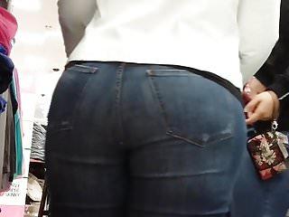 Candid gorgeous big bottom Latinas milk 1
