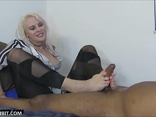Vicky Vixxx Fantasy Foot Job Cum True