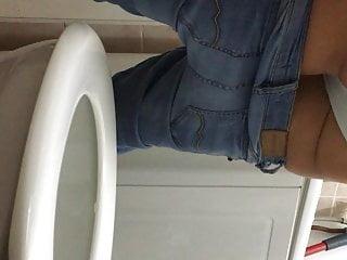 Delphine Ma Belle Soeur Aux Toilettes