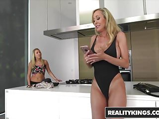 RealityKings - Moms Lick Teens - Brandi Love Zoey Taylor - L