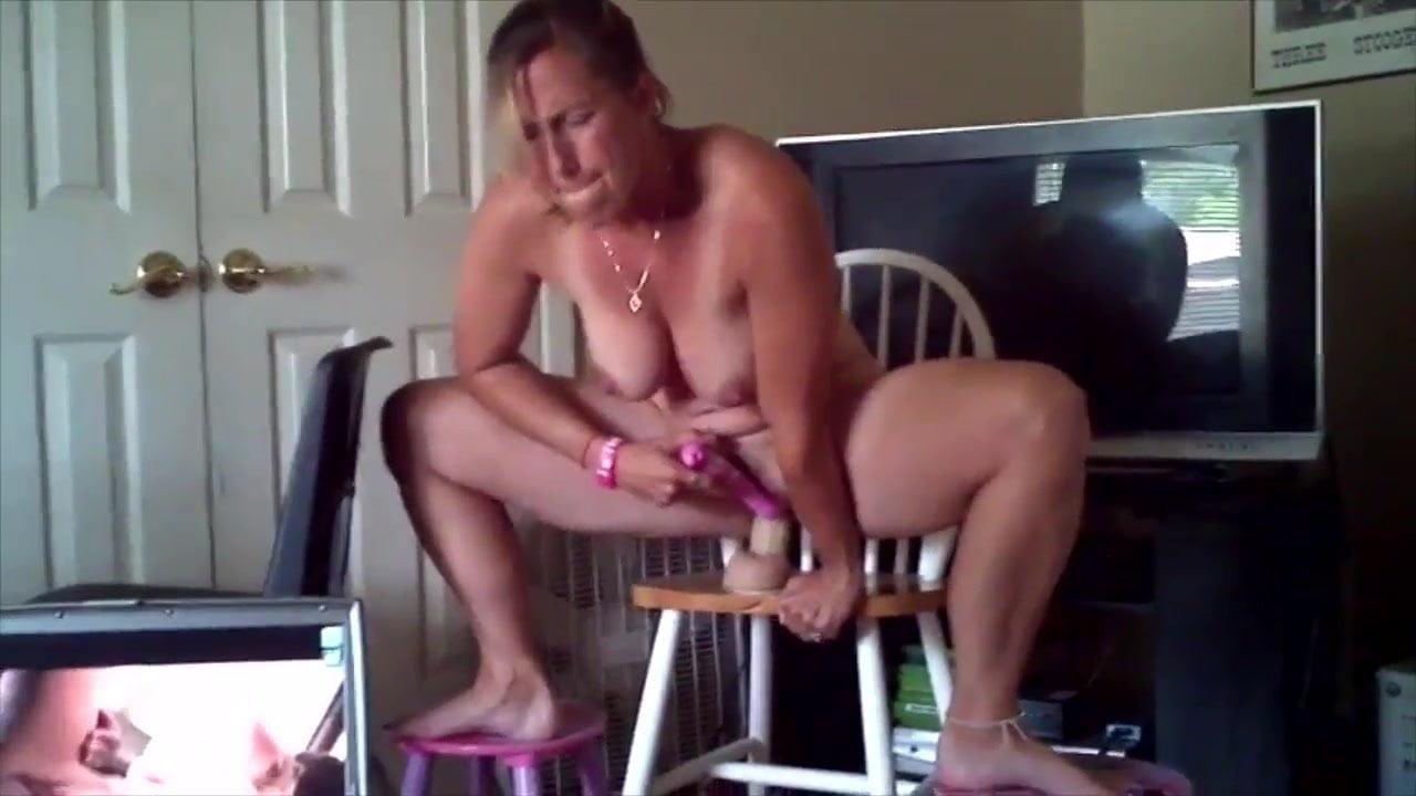 Жена мастурбировала а муж увидел — pic 7