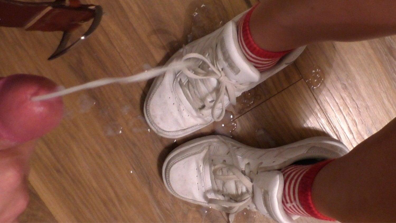 Cum On Sneaker