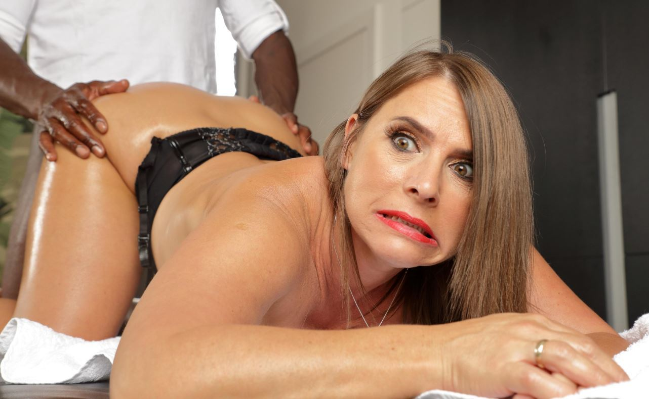 Horny Milf With Huge Tits Calls In For Anal Massages-8952