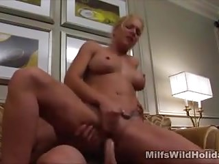 Sensual Fucking For Milf Heidi