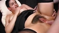 Beurette poilue gros seins