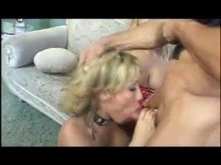 Milf Porno mit Ava Devine & Anna Nova
