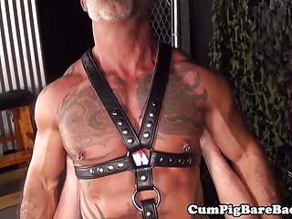 Preview 1 of Ruthless hunks in bareback session