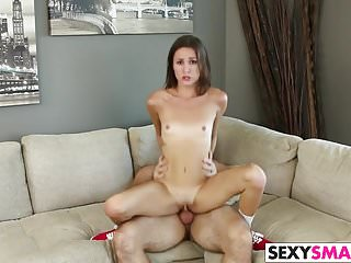 Renee Roulette offers her pussy