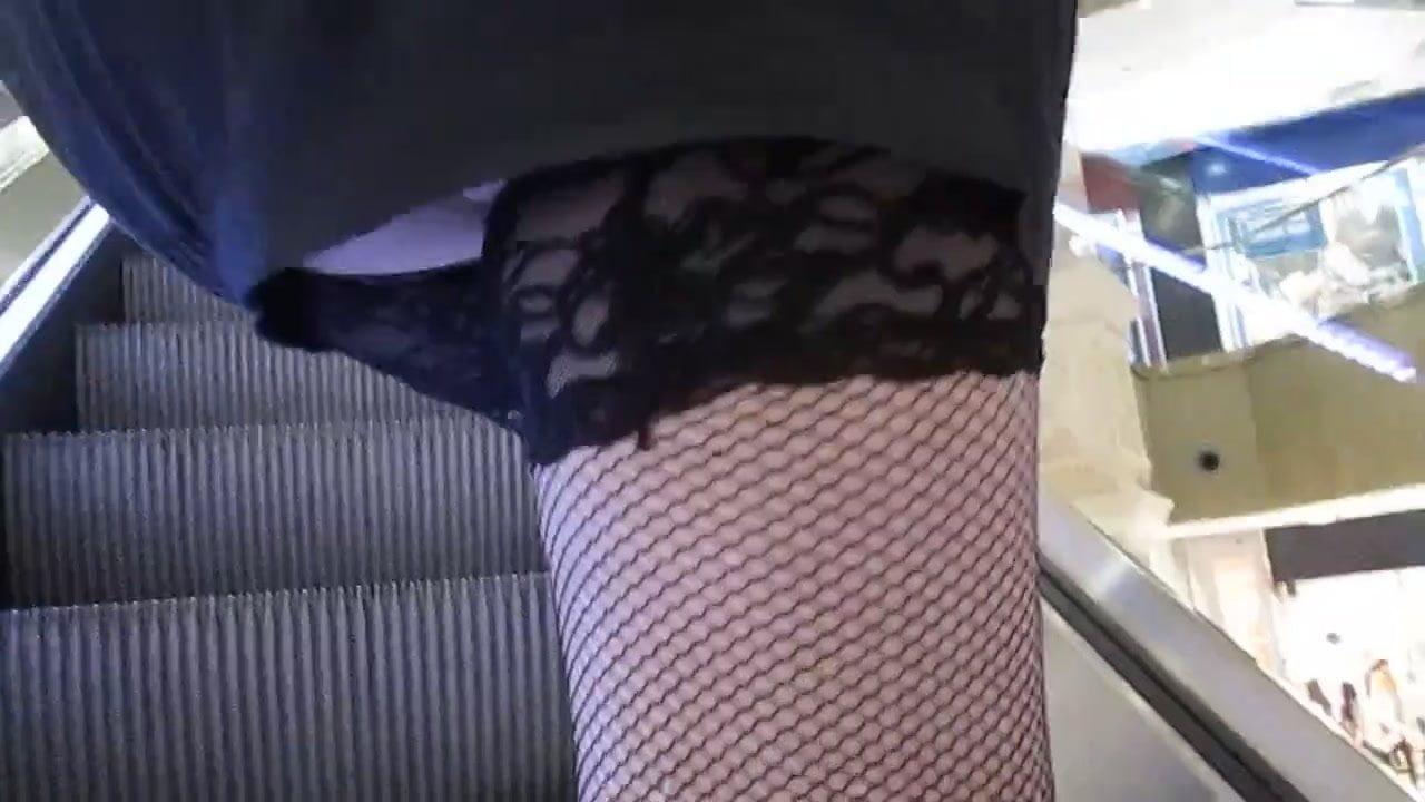 Смотреть порно анал в юбках мать расстегивает