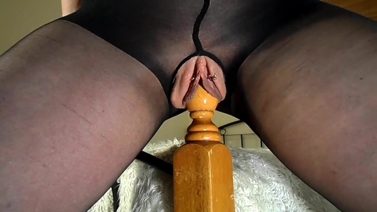 fucking-the-bedpost-nude