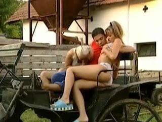 Deutsche Porno - Schulferien auf dem Ponyhof