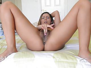 Hairy Latina Jaye Summers Getting Wet On The Bed