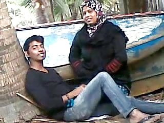 Preview 5 of Bangladeshi Aunty with Young Lover