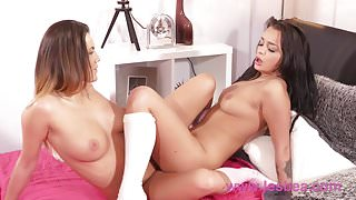 Lesbea Hot brunettes 69 and tribbing orgasmic bliss