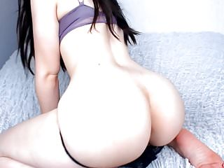 Sexy Pawg Ass Shaking