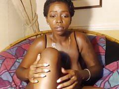 Ebony toys masturbating webcam