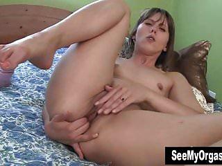 Sexy Amber Masturbating