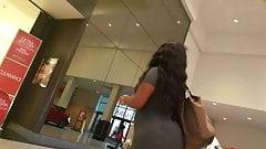 Voyuer Big booty in long grey skirt