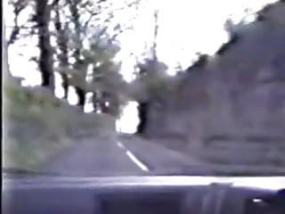 en el coche y en el bosque